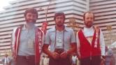 """La representación del Club Piraguas Los Gorilas de Candás en Montreal 1976. De izq. a decha.: Herminio Menéndez, Ramón Menéndez Palmeiro (""""Moncho"""") y Amando Prendes."""